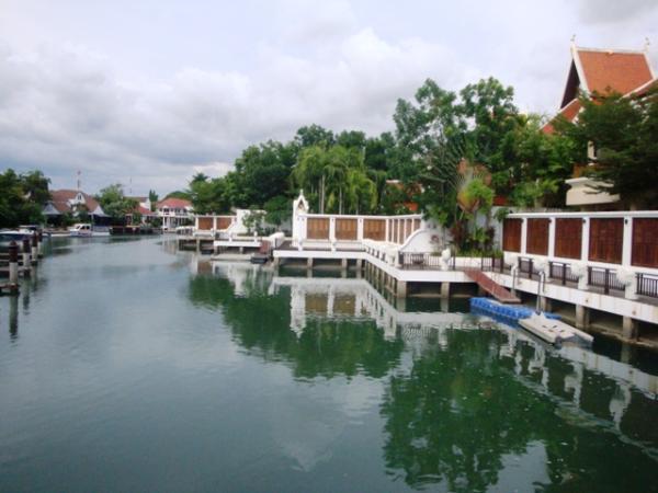 NJ1537 – Luxury Villa with Boat Docking