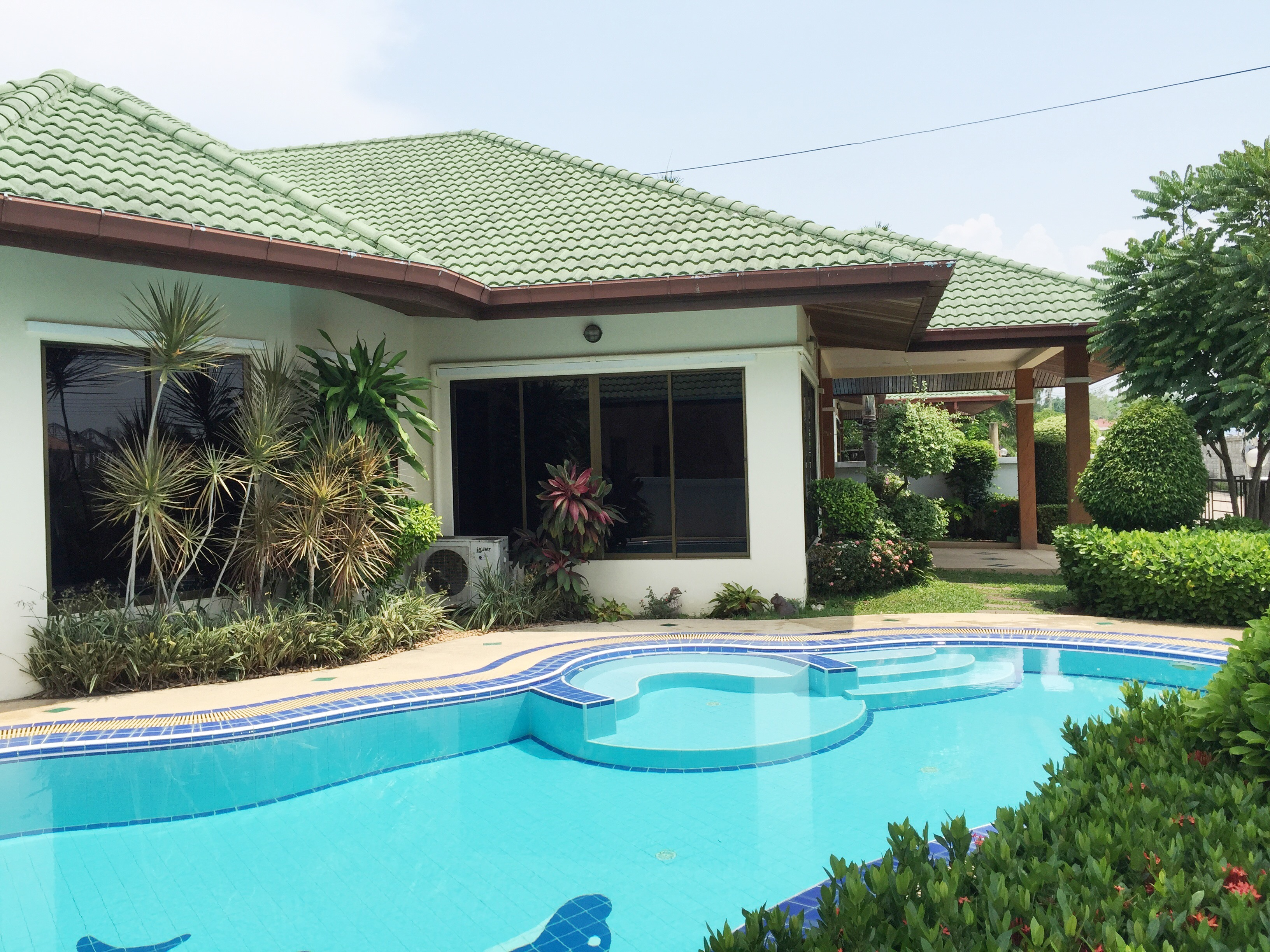EP2203 – Detached Pool House