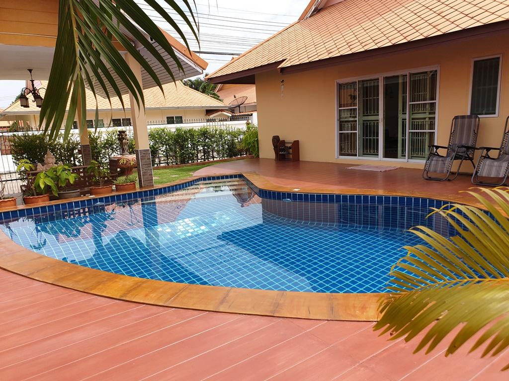 JT2201 – Villa piscine Jomtien