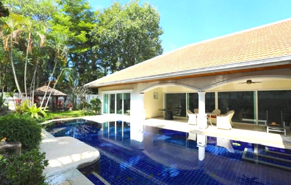 JT2275-Luxueuse Pool Villa  Jomtien Park Villa