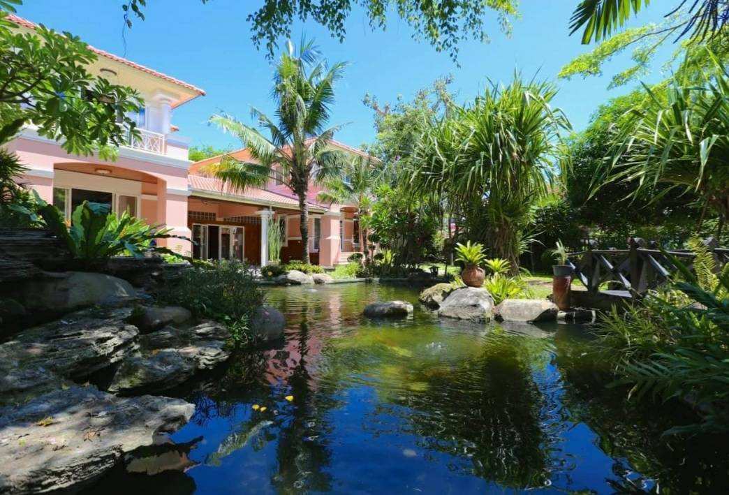 CP2279- Big house for sale in Central Park 3